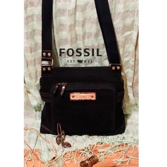 Fossil Handbags - 🚨NWOT- Fossil CrossBody Bag🚨